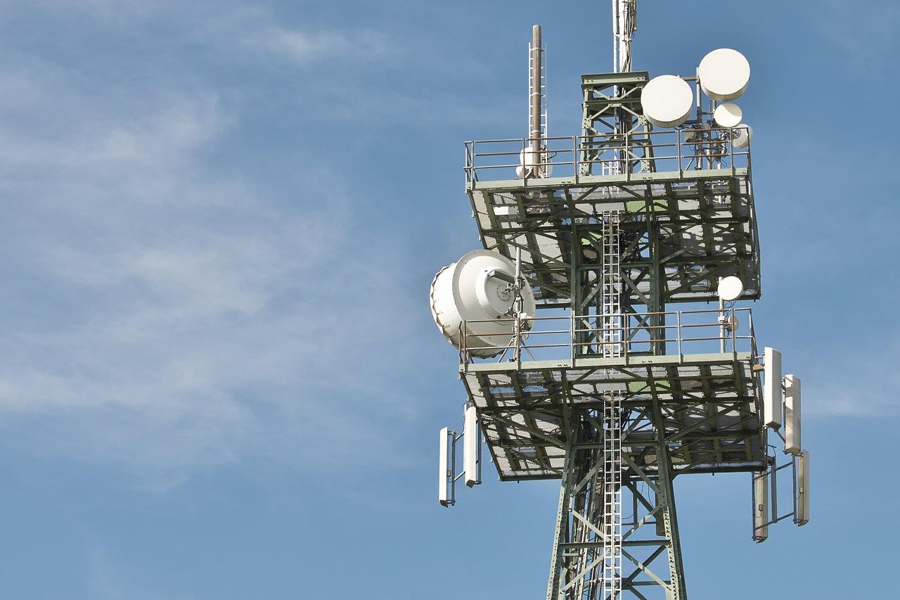 radio-masts-600837_1280